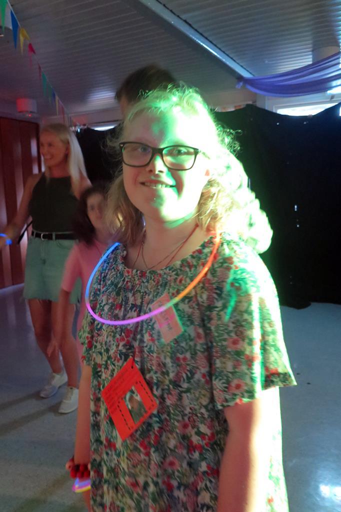 Jente på disco