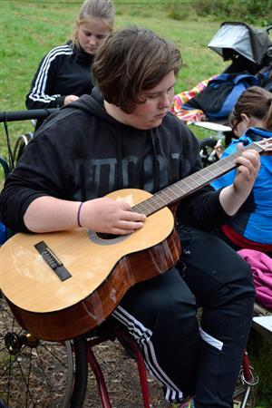 Gitarspilling ute