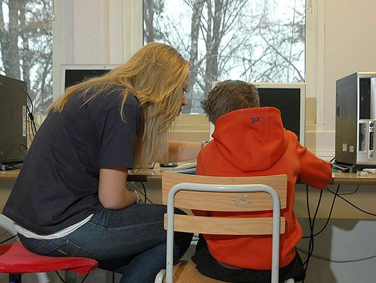 Elev med nevrofibromatose og assistent på skolen