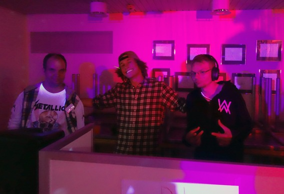 DJ-ene