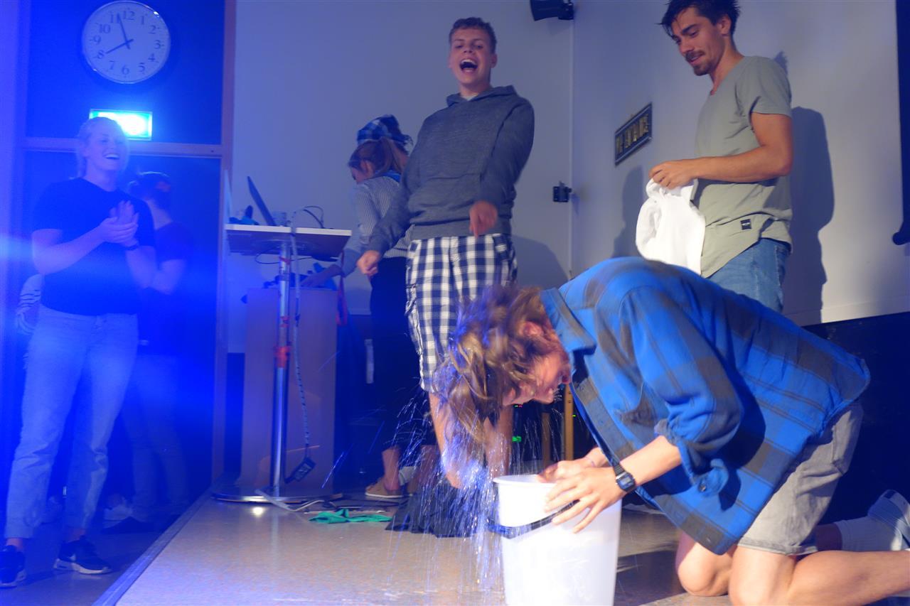Vann på scenen
