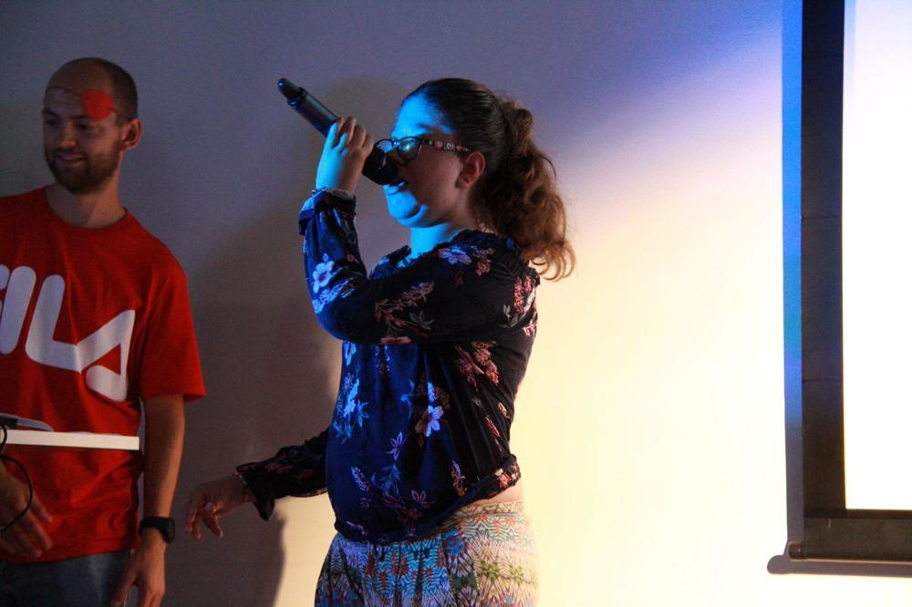Show med sang