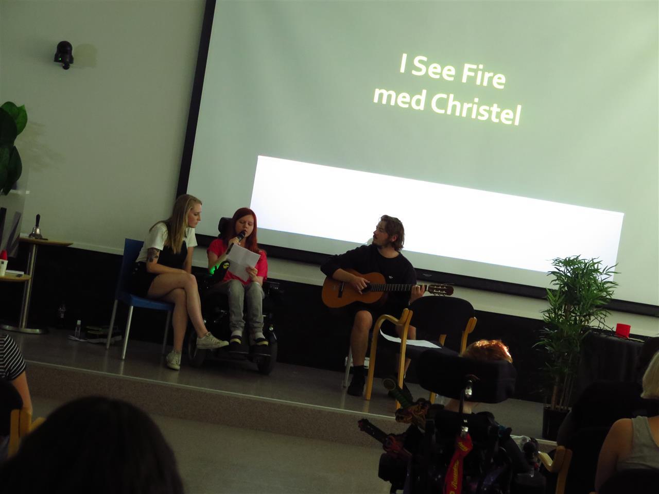 Sang på scenen