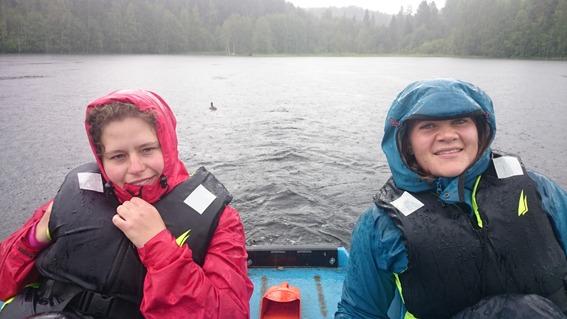 I båten i regnet