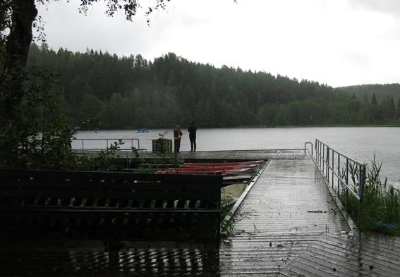 Brygga i regnet
