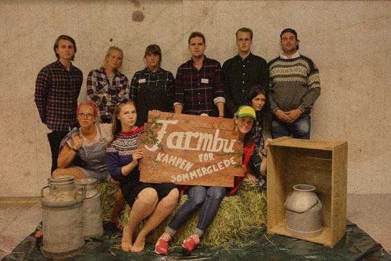 Farmbu skilt gruppebilde