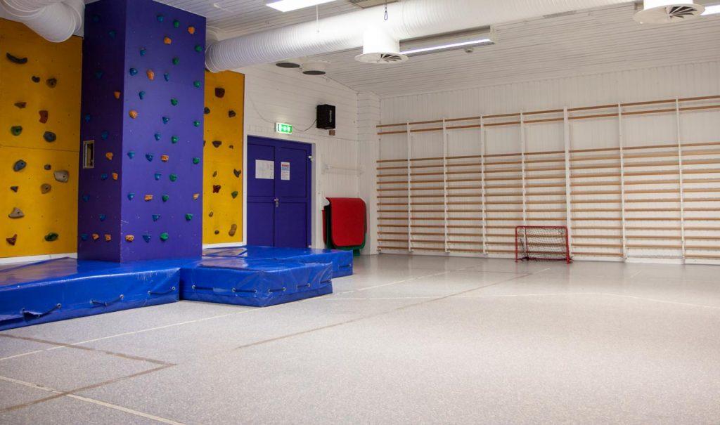 Bildet viser gymsalen på Frambu